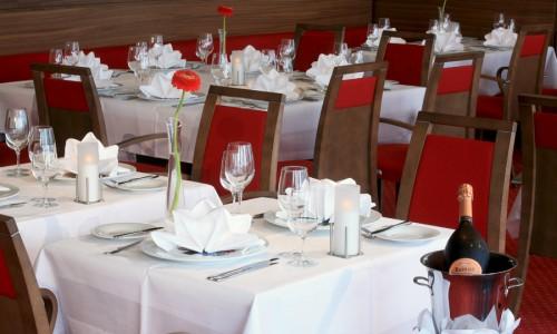Gedeckter Tisch im Seminarhotel